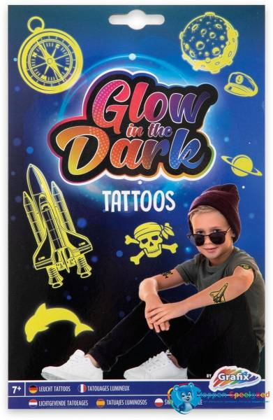 Glow in the dark tattoos jongens