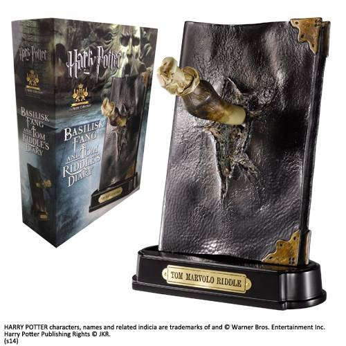 Basilisk Fang en Tom Riddle dagboek sculptuur